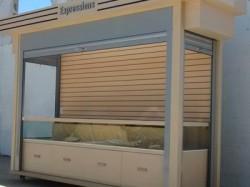 wall-glass-display-kiosk